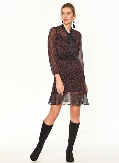 Random Şal Desenli Kısa Elbise Siyah